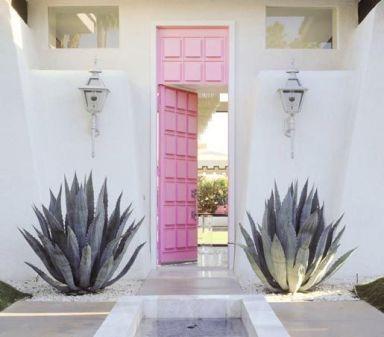 Pink door on Good Lookin'